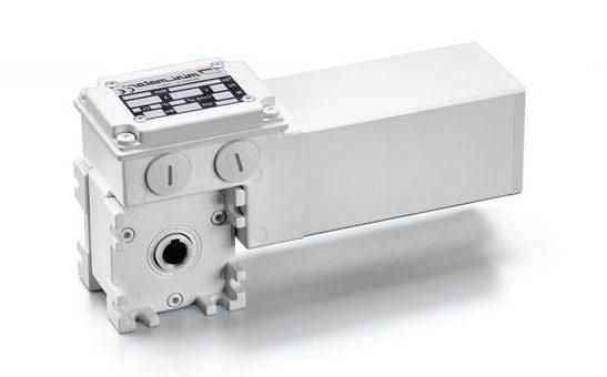 SCHNECKENGETRIEBEMOTOREN  MOTOR: 2-poliger, vollkommen geschlossener Asynchron-Drehstrommotor. Thermoschutzschalter.